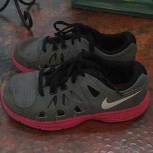 Nike Shoes - Nike 13
